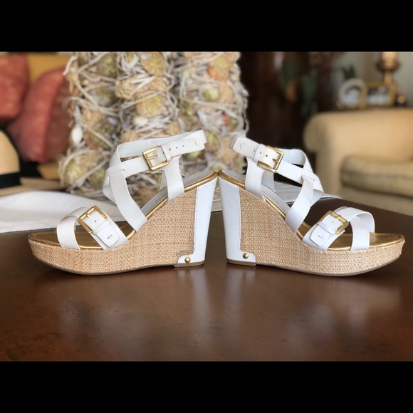 d3ce858cf4cb Audrey Brooke Shoes - Audrey Brooke white wedge sandals